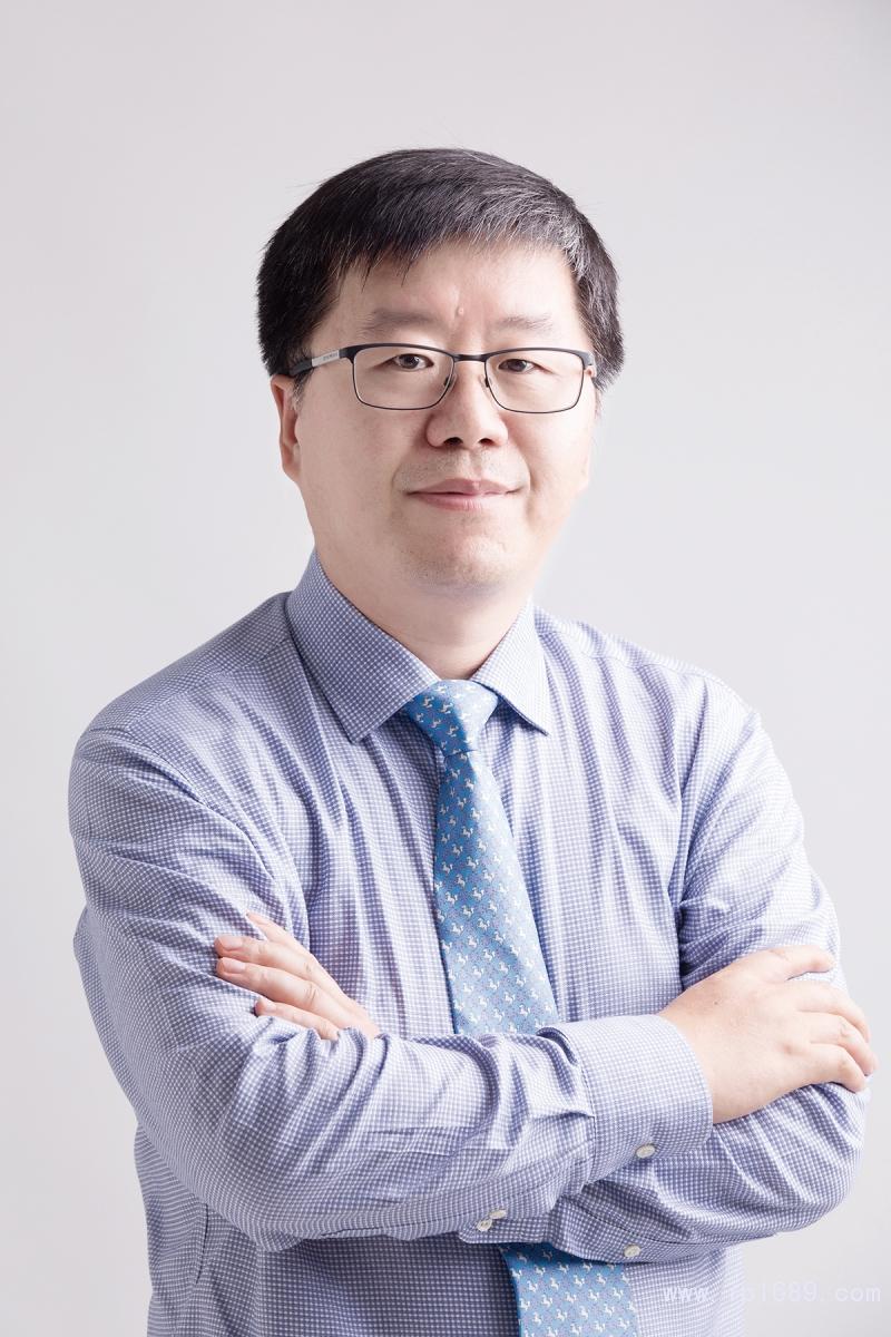 伊之密注塑机事业部总经理张涛