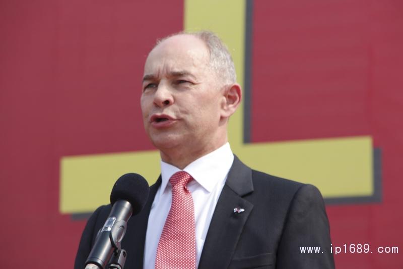 伟巴斯特亚洲区总裁兼首席执行官贺雷德Freddy-Geeraerds