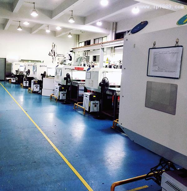 中山世达模型制造有限公司车间机器
