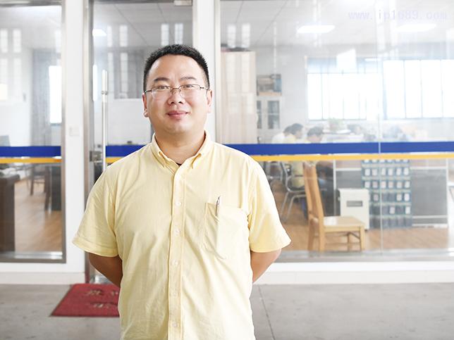 上海金纬挤出机械制造有限公司总经理王亮