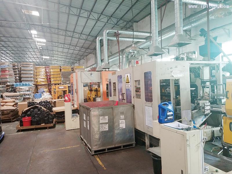 广州一顶塑料制品有限公司-(9)车间机器