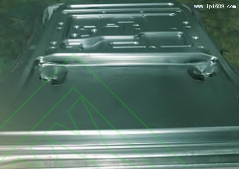 图 12 汽车车门内板试模零件
