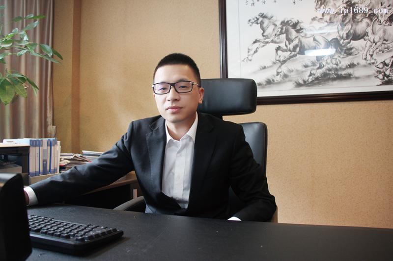 华美达-总经理刘翔